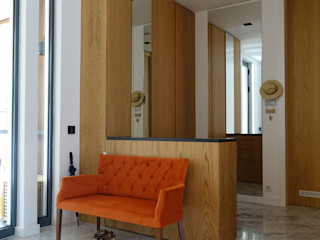 J.Design Pasillos, vestíbulos y escaleras de estilo moderno Madera Naranja