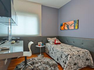 Mariana Borges e Thaysa Godoy Modern style bedroom