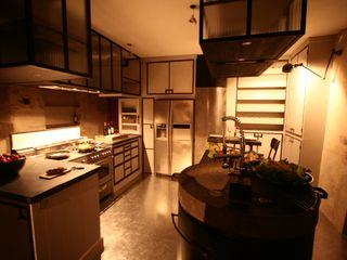 Frédéric TABARY КухняСтільниці Граніт Різнокольорові