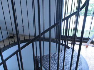 Stairways Frédéric TABARY Коридор, коридор і сходиСходи Метал Різнокольорові