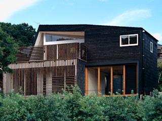 向山建築設計事務所 Modern houses Wood Black