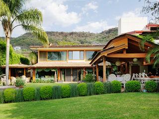 Residencia RH Excelencia en Diseño Casas asiáticas Derivados de madera Beige