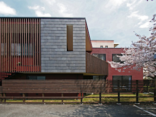 向山建築設計事務所 Modern houses Stone Purple/Violet