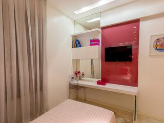 Flávio Monteiro Arquitetos Associados Moderne Kinderzimmer Glas Pink