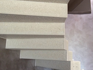 Quintarelli Pietre e Marmi Srl Nowoczesny korytarz, przedpokój i schody