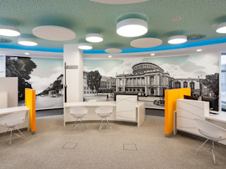 arc architekturconzept GmbH 牆壁與地板照片與相框