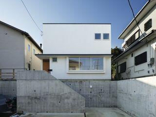 向山建築設計事務所 Modern houses White