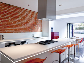 Colchester Kitchen Rousseau Cocinas de estilo moderno