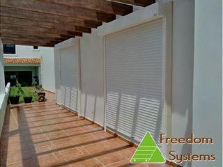 Persianas Enrollables Europeas Punta Diamante - Mazatlan FREEDOM SYSTEMS MEXICO Balcones y terrazas clásicos Aluminio/Cinc Blanco
