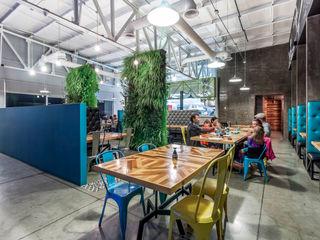 SZTUKA Laboratorio Creativo de Arquitectura Eclectic style dining room