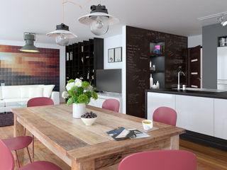 Une cuisine ouverte sur un living Architecture du bain CuisinePlacards & stockage