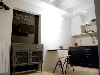 Moodern Scandinavian style dining room Wood Green