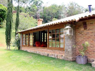 FLAVIO BERREDO ARQUITETURA E CONSTRUÇÃO Colonial style house