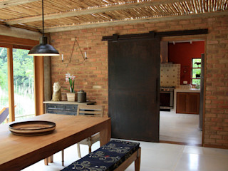 FLAVIO BERREDO ARQUITETURA E CONSTRUÇÃO Colonial style dining room