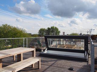 Rooftop access Amsterdam Loft Glazing Vision オリジナルデザインの テラス ガラス