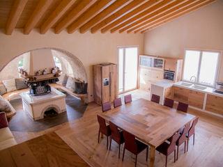 Villa Rustica RI-NOVO Soggiorno in stile rustico Legno