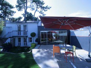 The rolling house Frédéric TABARY Балкони, веранди & тераси Аксесуари та прикраси Метал Різнокольорові