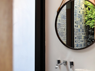 OBRA BLANCA Eclectic style bathroom