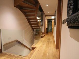 Town House Ealing Quirke McNamara Pasillos, vestíbulos y escaleras de estilo minimalista