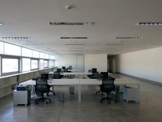 Tuc Tuc Company Headquarters Ignacio Quemada Arquitectos Escritórios minimalistas Branco