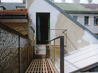 glashaus - wintergarten allmermacke Industrialer Balkon, Veranda & Terrasse Holz