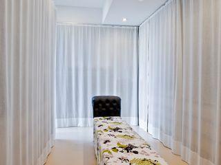 Oriental Chic Viterbo Interior design Closets ecléticos