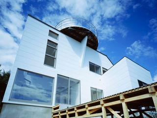 Guen BERTHEAU-SUZUKI Co.,Ltd. Modern balcony, veranda & terrace
