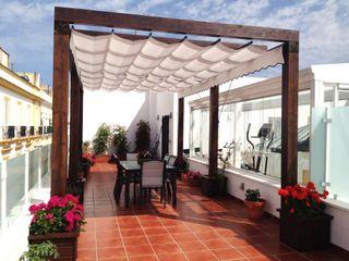 Architect Hugo Castro - HC Estudio Arquitectura y Decoración Balcones y terrazas de estilo clásico
