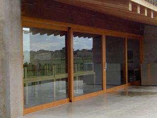 Montebayón Recreational Property Ignacio Quemada Arquitectos Portas e janelas modernas Madeira Efeito de madeira