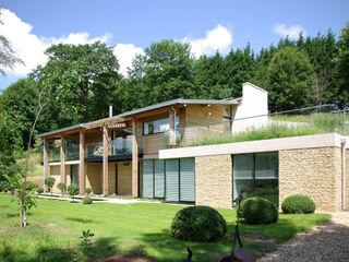 Twinneys Designscape Architects Ltd Maisons modernes