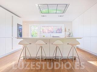 Fotografía de interiores para Tarimas de Autor en Monte Alina Luzestudio - Fotografía de arquitectura e interiores Comedores de estilo moderno