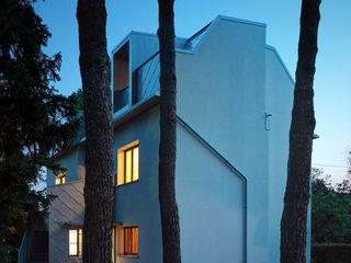 Casa EG es-arch Case moderne