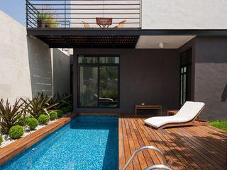 LGZ Taller de arquitectura Бассейн в стиле модерн Дерево Эффект древесины