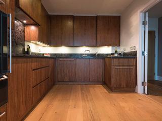 American Black Walnut Vauxhall Kitchen designed and made by Tim Wood Tim Wood Limited Modern kitchen Wood