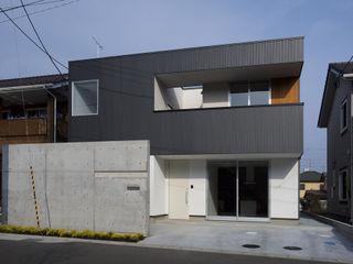 株式会社ブレッツァ・アーキテクツ Casas de estilo moderno