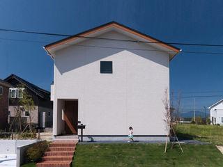 株式会社ブレッツァ・アーキテクツ Casas de estilo escandinavo