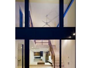 関建築設計室 / SEKI ARCHITECTURE & DESIGN ROOM Salas de estilo moderno