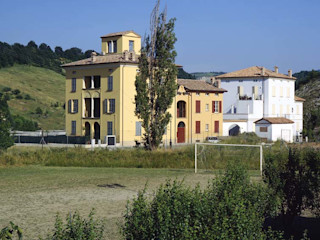 Andrea Pacciani Architetto Casas de estilo clásico Amarillo
