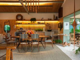 Marina Linhares Decoração de Interiores Sala da pranzo in stile tropicale