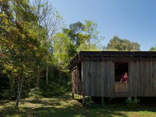 IR arquitectura Casas campestres Madeira maciça Acabamento em madeira