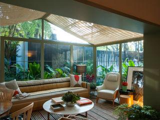 Marina Linhares Decoração de Interiores Soggiorno in stile tropicale