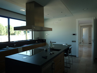 CARLOS TRIGO GARCIA Modern Kitchen