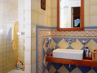 Grafick sp. z o. o. Classic style bathroom Pottery Multicolored