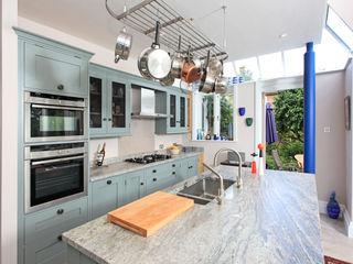 Mediterranean Style Rencraft Mediterranean style kitchen Wood Blue
