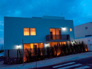 JF ARQUITECTOS Minimalist house