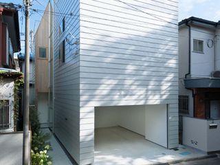 ディンプル建築設計事務所 Case moderne Ferro / Acciaio Bianco