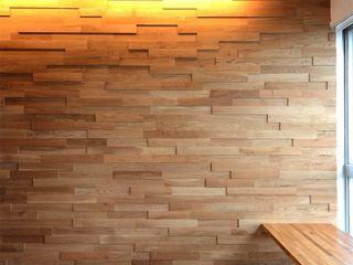 ディンプル建築設計事務所 Soggiorno moderno Legno massello Effetto legno