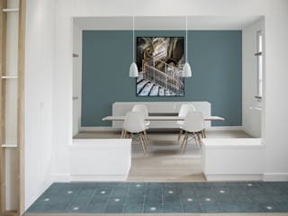 Yeme + Saunier Minimalist dining room Blue