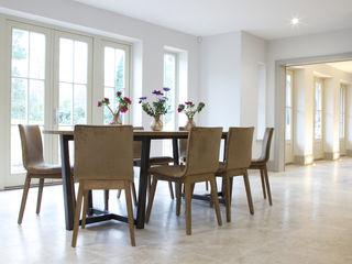 Private Residence - Kent Artisans of Devizes Ruang Makan Modern Batu Kapur