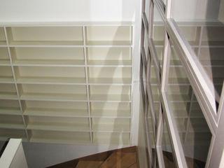 Kauri Architecture Gang, hal & trappenhuisOpbergen Beige
